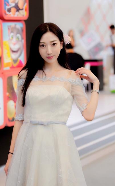 JIngyi Shanghai Event Staff