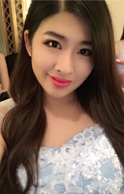 Leuie Shanghai Event Staff