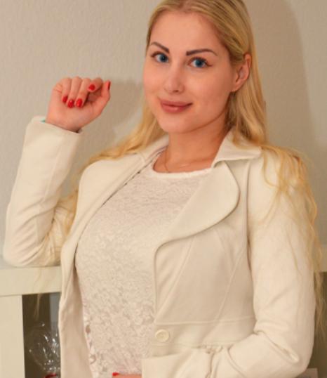 Laura Cologne Promo Staff