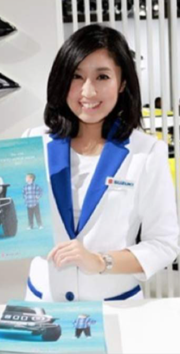 Rin Ha Tokyo Promotion Staff