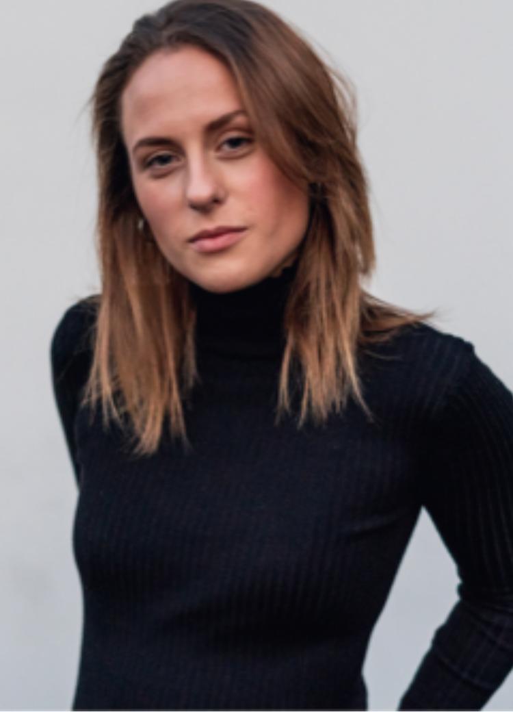 Marie Dusseldorf Promo Staff